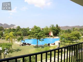 Condos for rent in Hua Hin: C6135