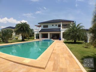 Villas for rent in Hua Hin: V6183