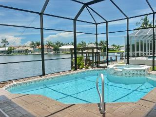 Stylish, waterfront house w/ everything from a pool table to a heated pool, Isla Marco