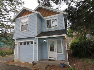 Charming Home Set in Serene Wooded Area of Lincoln City's Nelscott District