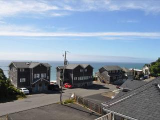 Come enjoy the amazing ocean views and spectacular accommodations., Lincoln City