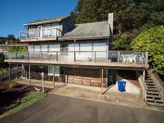 Popular Roads End home with spectacular ocean views, Lincoln City