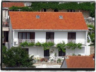 Apartment Dufour Hvar