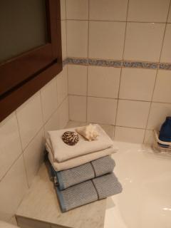 Detalle repisa de bañera
