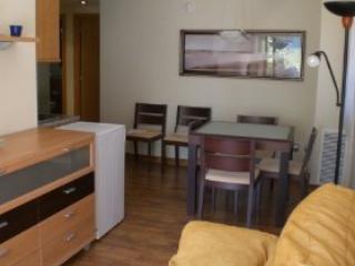 Apartamento en la Costa Brava con piscina.