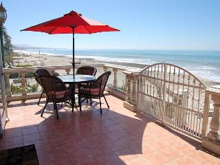 Large Family Beach House- sleeps 12, 4 Bed+Loft / 3 bath  (083)