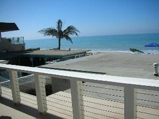 087U - Upstairs Beach Condo - 2 Bed/2 Bath - Sleeps 6