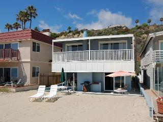 315 - Large Family Style Beach Home on the Sand - 5 Bed/2 Bath Sleeps 12, Dana Point