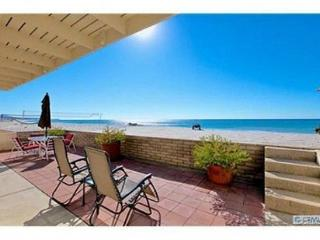 Beach House with Hot Tub & Game Room! SO FUN! Sleeps 12  #221, Dana Point