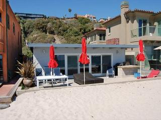 201 - Adorable Nautical Decor Beach Cottage 3 Bed/2 Bath Sleeps 8, Dana Point