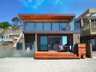 Modern New Beach Home Right on the Sand! Sleeps 9 - 093L, Dana Point