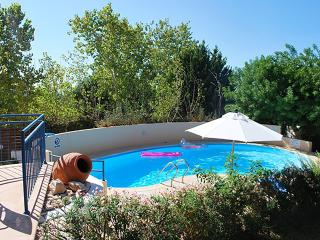 Lovely 2 bedroom Villa with Large private Pool, Paphos
