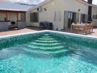 Villa in a very good location in las Americas, Tenerife