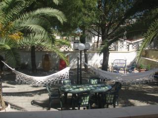 villa con giardino 100 mt dal mare, mar jonio (ta)