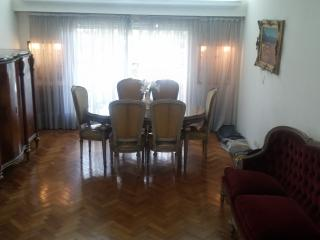 Fully Furnished balcony apartment, 3bdr. 4 pers.