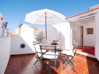 Passion Inn - Two Bedroom Apartment with Terrace, Lisbon
