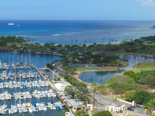 Luxury Yacht Harbor Towers!, Honolulu
