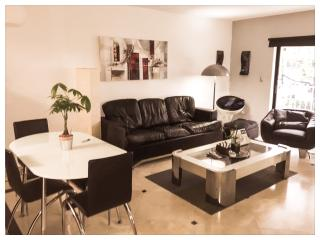 Very Attractive Apartment by the beach, North Miami Beach