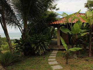 Studio Quincho, ocean view getaway 150m from beach, Santa Teresa area Costa Rica