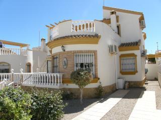 Casa Alba - Beautiful detached 3 bed villa, El Pinar de Campoverde
