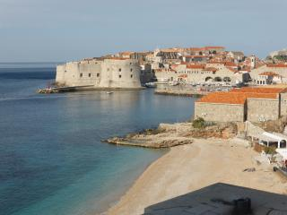 Luxury 3BR 2BA Oceanfront Apt near Old Town, Dubrovnik
