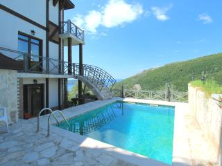 Villa Astra 1 with swimming pool and sauna, Becici