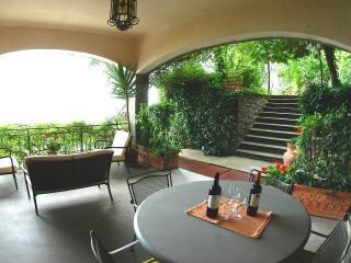 P.B MOSS  HOUSE, Cortona