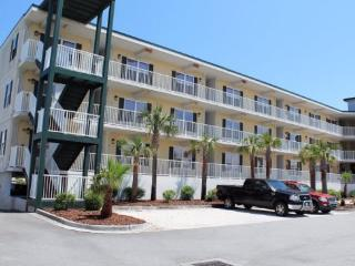 Beach Club Condos - Unit 113 - 3 Pools - Small Dog Friendly - FREE Wi-Fi, Tybee Island