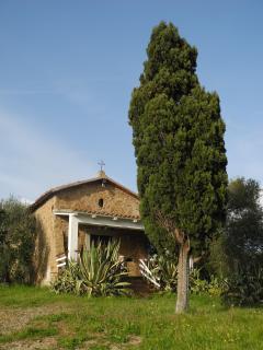 la chiesetta di Pian di Rocca all' inizio della strada bianca - the church of Pian di Rocca