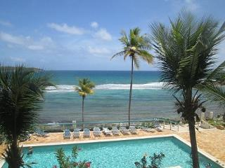 Tropical 2 bdrm condo on the water at Bolongo Bay, St. Thomas