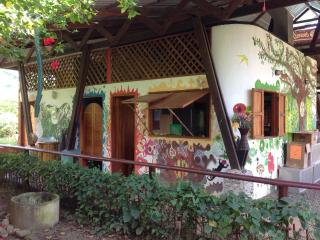 Casa De Ki- Unique Uvita cabinas and house