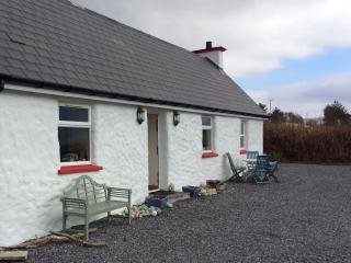 LITTLE IRISH COTTAGE DONEGAL IRELAND free wifi top rated cottage in Donegal