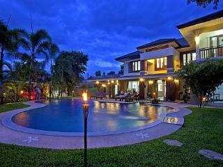Expansive 6 bed villa at Chiang Mai, San Phi Suea