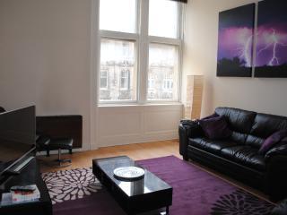 Spacious Royal Mile Apartment, Edimburgo