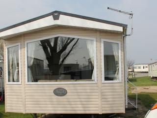 1) Regal Elegance Static Caravan at Sand Le Mere, Withernsea
