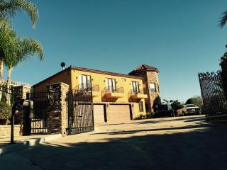 Casa de la Luna, San Diego