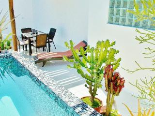 CASA NAAJ 2, Charming Apartment (2-3 people), Playa del Carmen