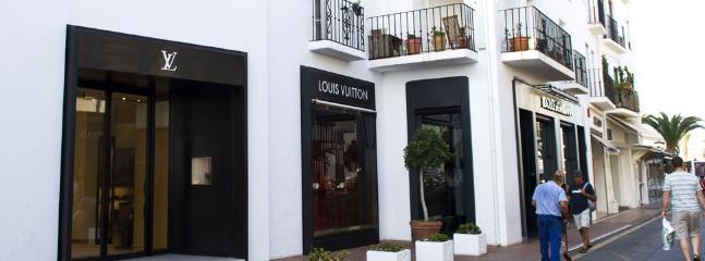 shopping puerto banus