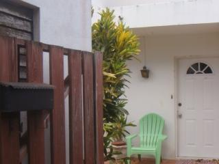 Caribeisle Townhouse -spacious, affordable, secure, Maxwell