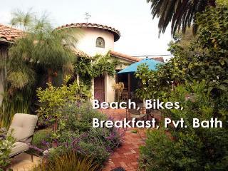 Venice Beach Estate with Pvt. Spa Bath & Bikes, Los Ángeles