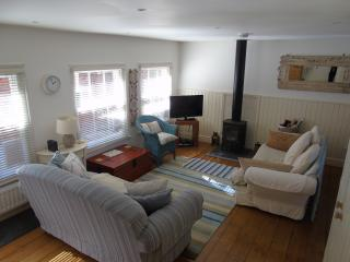 NEW Cormorant Cottage ~100 steps from the beach, Whitstable