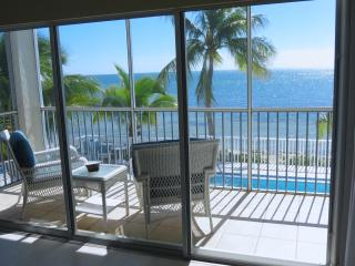 Amazing Ocean View Condo on the Beach!, Marathon