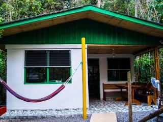 Jolly's Jungle Villa, Parrita
