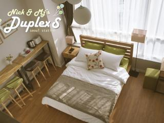 [SEOUL STN.] NICK and  M - DUPLEX S(upto 5 pax), Seúl