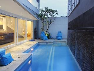 V Villa, luxury new 3/6 bed centre of Jimbaran bay