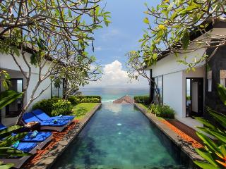 4 Bedroom Amazing Indian Ocean View Villa in Nusa Dua;