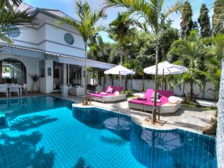 Luxury Modern Private Pool Villa Tropicale VIP, Rawai