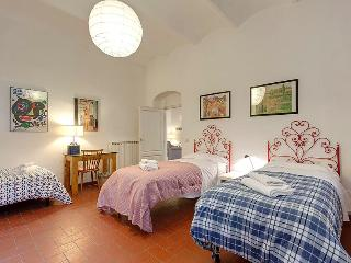 Modern and Spacious Apartment in S.Marco district, Florence