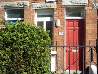 Dublin's Skinniest House!
