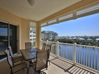 Cinnamon Beach 1154 !! Beautiful lake/nature views, steps to the beach!!